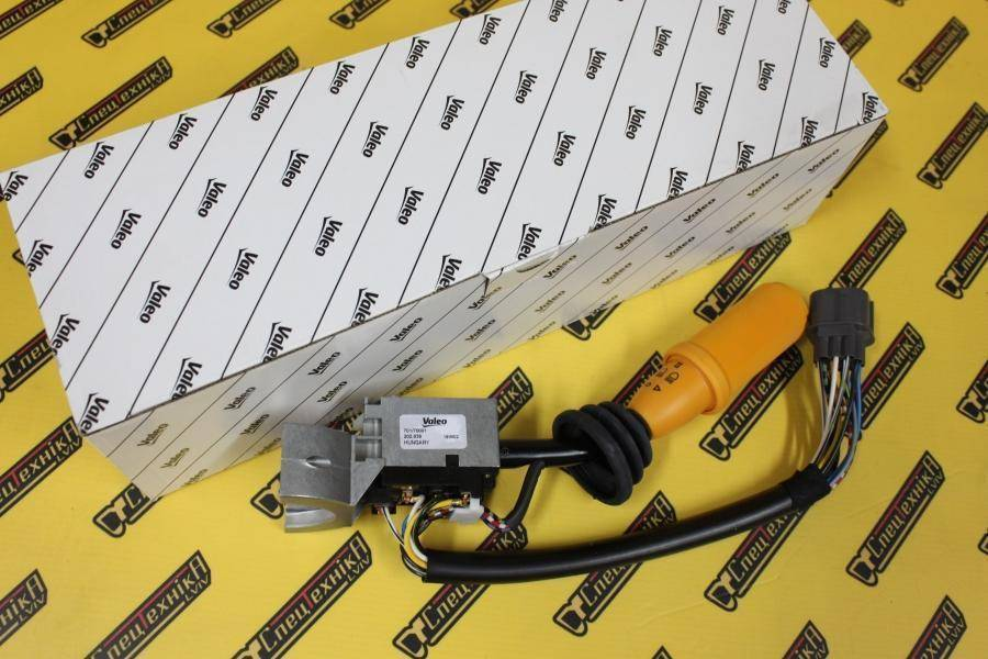 Переключатель поворотов/щетки JCB 3CX, 4CX до 2001 желтый (701/70001, 701-70001, 70170001) - VALEO