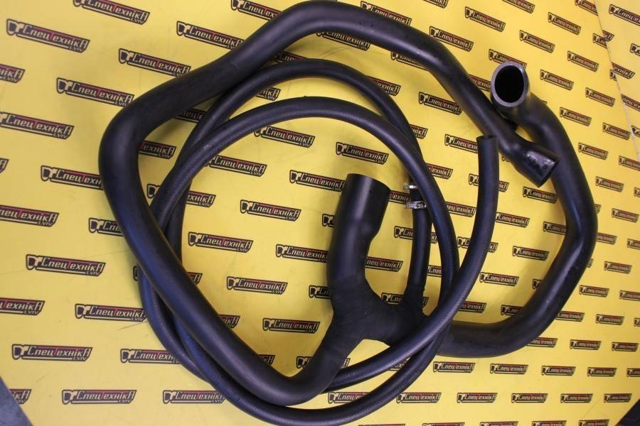 Патрубок радиатора нижний JCB 4CX DeiselMax (834/11198, 834-11198, 83411198)
