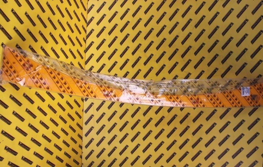 Пластиковая накладка на заднее стекло кабины (желтое) JCB (346/00058, 346-00058, 34600058)