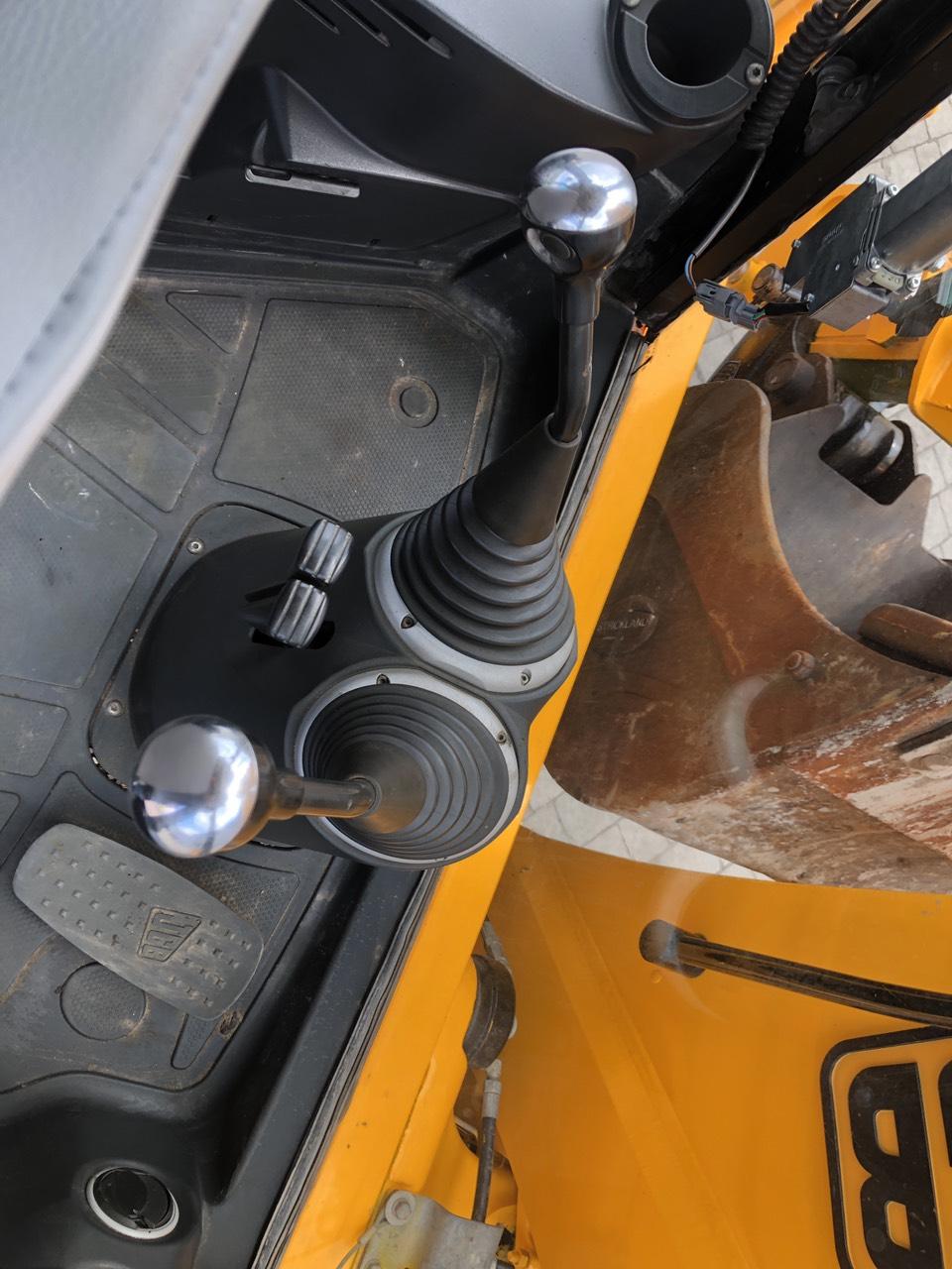 Фото №15 - Экскаватор-погрузчик JCB 3CX Contractor 2009 г.