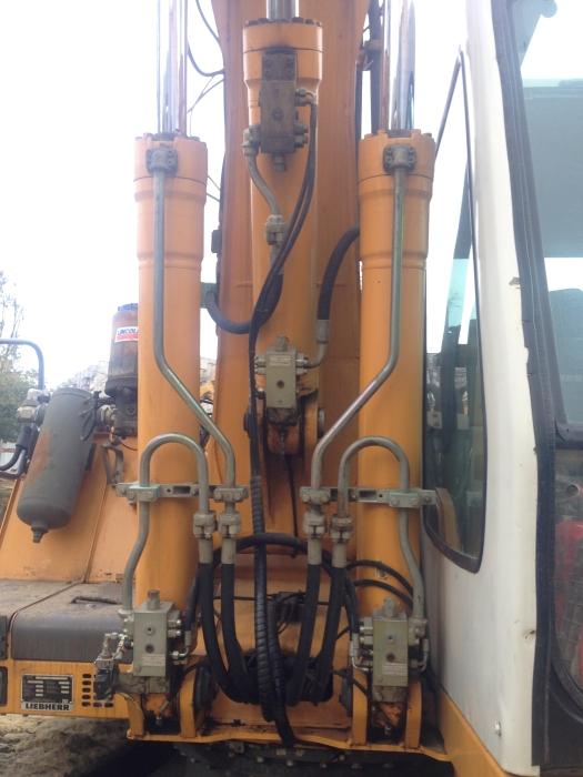 Фото №13 - Гусеничный экскаватор Liebherr R 904С HDS Litronic 2007 г.