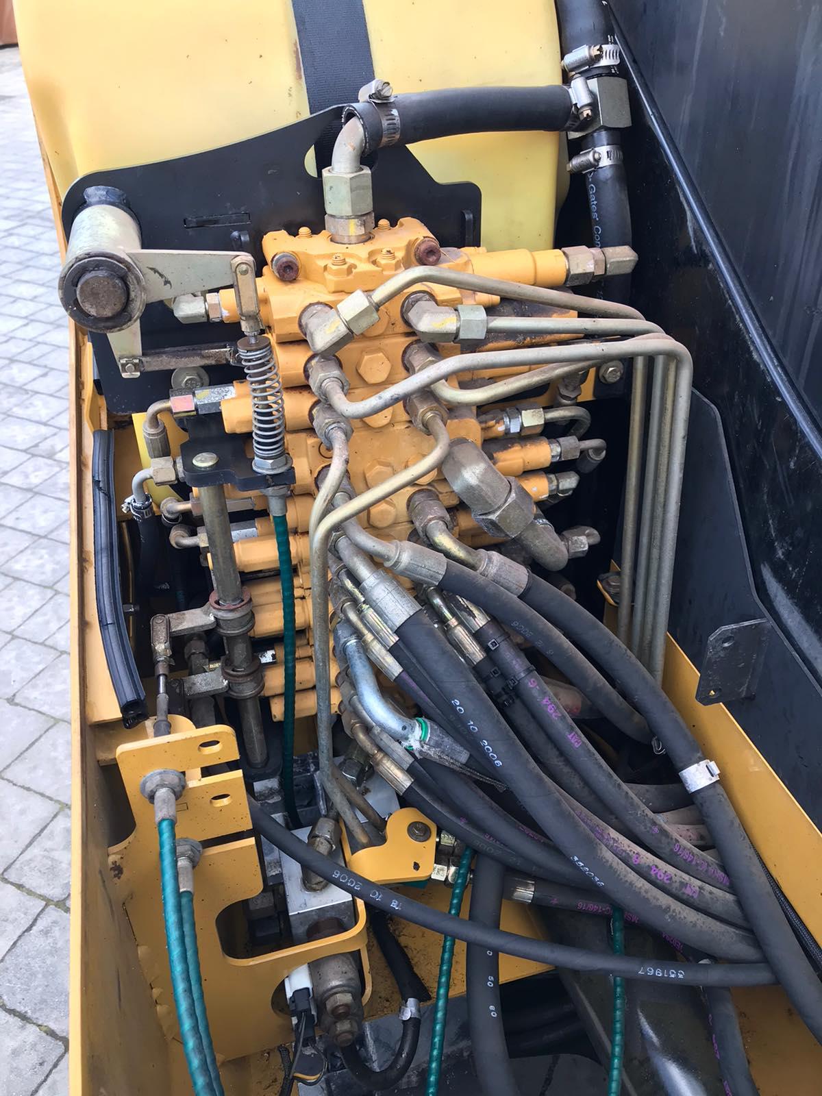 Фото №14 - Мини экскаватор Caterpillar 302.5C 2012 г.