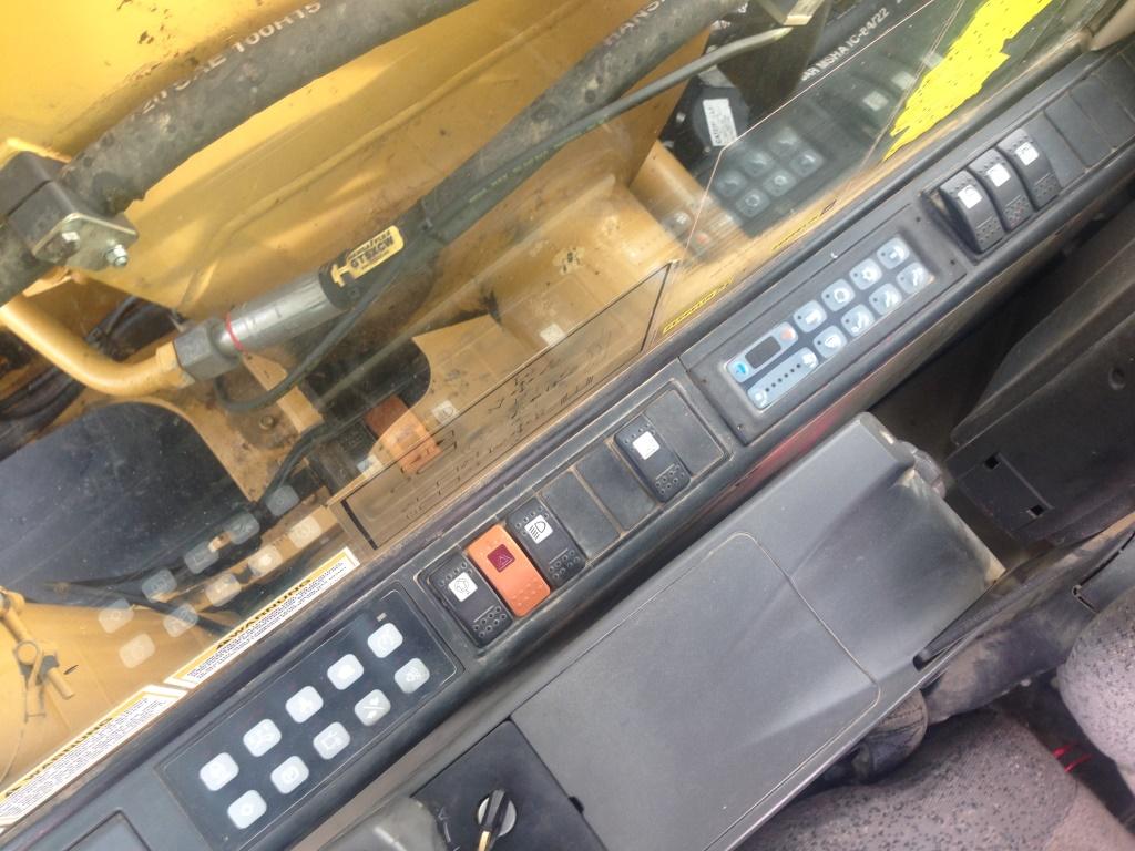 Фото №20 - Колесный экскаватор Caterpillar M316C 2007 г.