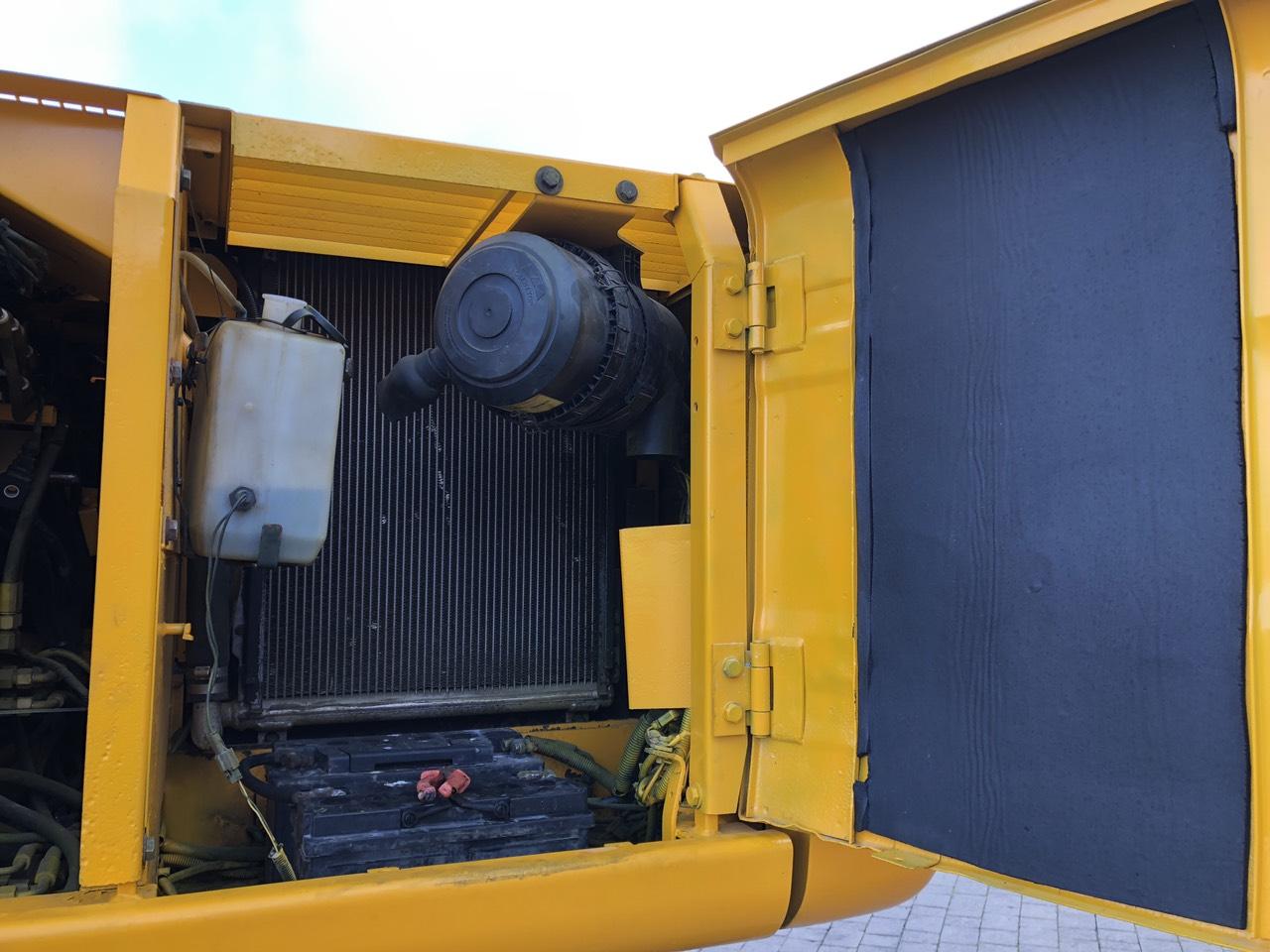 Фото №11 - Колесный экскаватор JCB JS 160W (JS160W) 2004 г.
