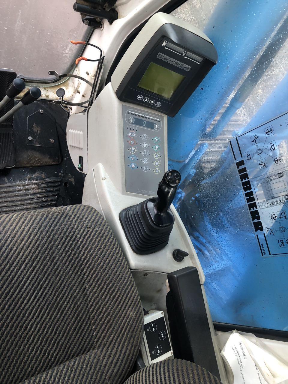 Фото №18 - Гусеничный экскаватор Liebherr R924B (R924 B) HDSL 2006 г.
