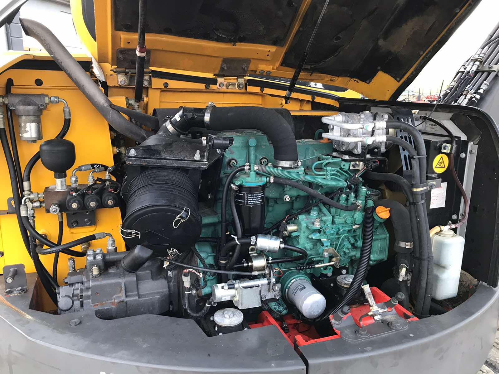 Фото №12 - Мини экскаватор Volvo ECR88 Plus 2000 г.