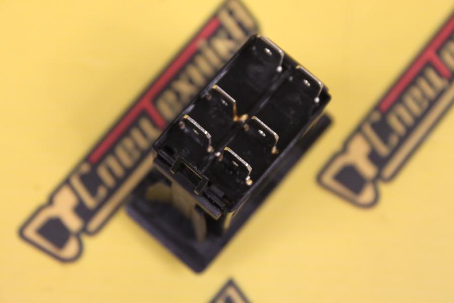 Фото №2 - Переключатель рабочего освещения двухпозиционный JCB 3CX 4CX (701/60004, 701-60004, 70160004)