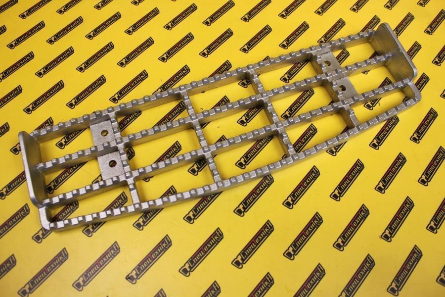 Підножка кабіни JCB верхня 616 мм (331/39996, 331-39996)