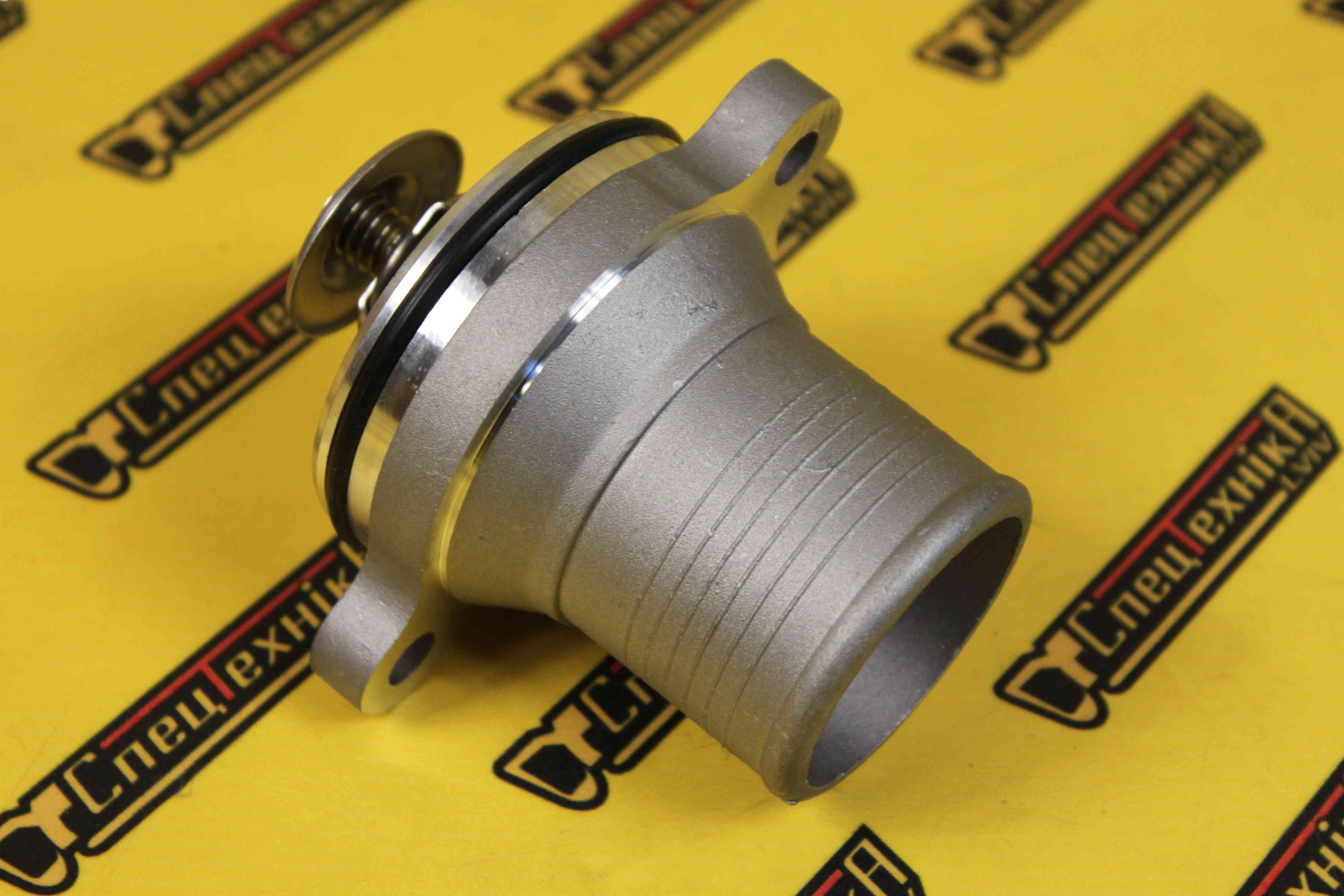 Фото №3 - Термостат Perkins 1100 с корпусом (4133L507)