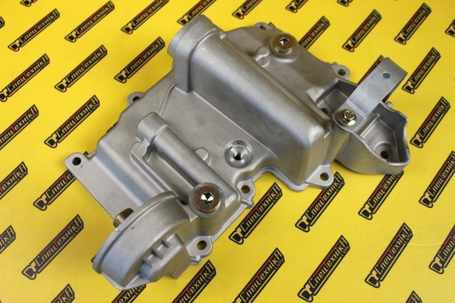Крышка теплообменника JCB 3CX, 4CX DieselMax (320/04210, 320-04210, 32004210)