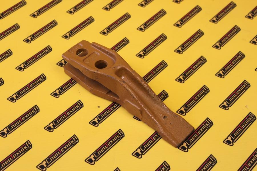 Зуб ковша JCB 3CX 4CX (531/03205)